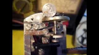hodiny elektromagnetický pohon setrvačky