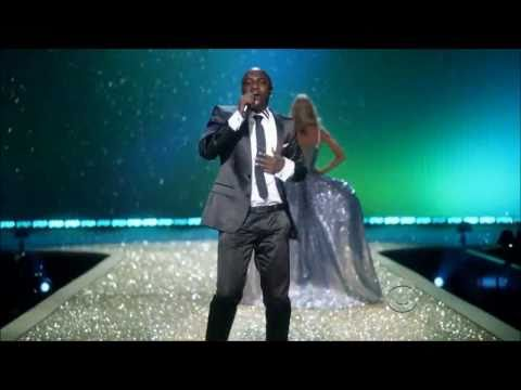 Akon's Angel Performance At Victoria's Secret Fashion Show HD