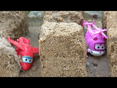 Super Wings Toys on the Sand with Water - Learn Colors for Children