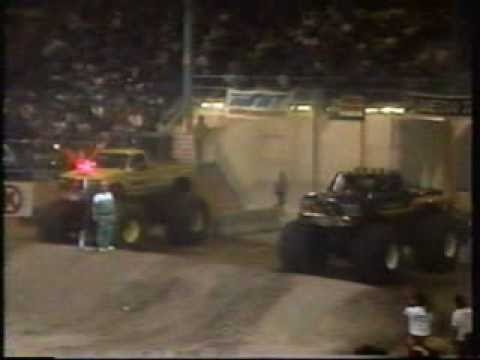 TNT Monster Truck Challenge 1990 Albuquerque Race 1 (Tuff Trax)