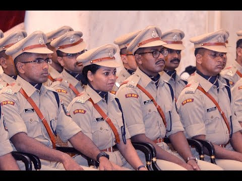 IPS Probationers of 2017 batch share their training experiences with President Kovind