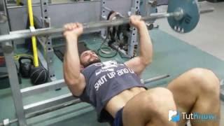 видео Жим штанги лёжа узким хватом