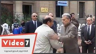 بالفيديو.. جامعة القاهرة تقيم صوان عزاء لثروت بدوى أمام كلية الحقوق