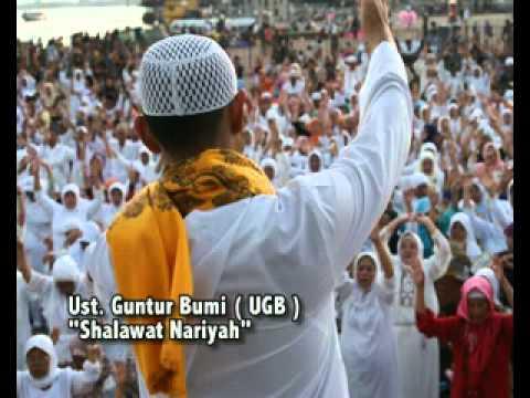 Ustadz Guntur Bumi ( UGB ) - Shalawat Nariyah.mp4