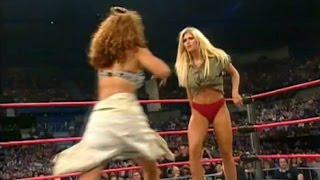 (720phd): Wcw Nitro 10/09/00 - Torrie Wilson Vs. Tygress (down Underwear Match)