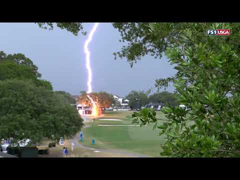 Lightning Strikes Tree, Frightening Spectators At The US