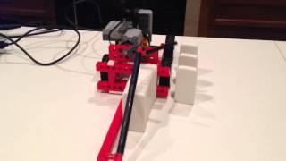 "Lego WeDo Domino ""Stacking"" Robot"