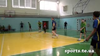 Товариський матч з гандболу. Студенти проти ветеранів ТНЕУ