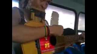 Caballo Viejo con Luz, zampoña y charango
