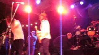 Friska Viljor - We Are Happy Now (la la la) live Appletreegarden