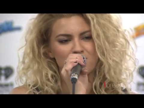 Pop queen Tori Kelly talks Tim Tam and feijoas in New Zealand
