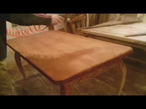 Режим сосну как липу. Резьба по дереву. Сосновый стол кабриоль.