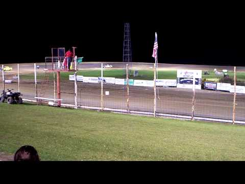 100 0721 2015-09-07 Devils Lake Speedway Pure Stock Powder Puff