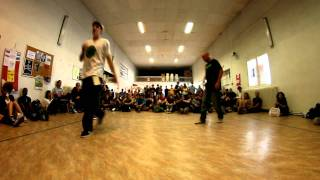 "Battle Popping ""Shake Your Pants 2011"" - Alexy Vs Mika - Best 8"