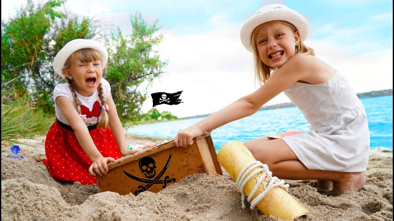Марго с маленькой и папа - путешествие на пляж