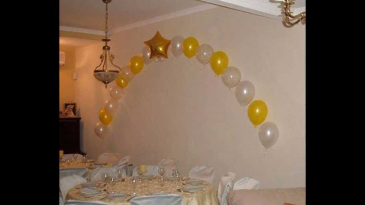 Decoracion con globos para comunion youtube for Adornos colgar pared