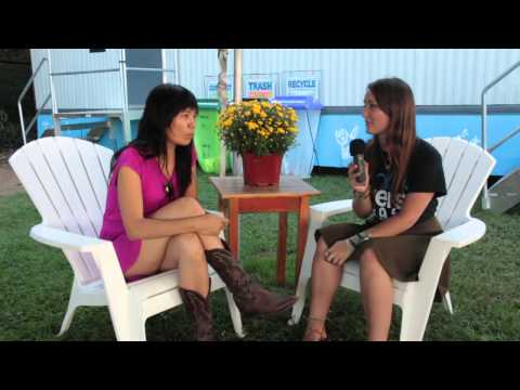Thao and the Get Down Stay Down - INTERVIEW (Life is Good 2013)