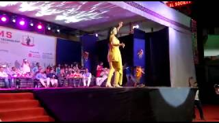 Sonalee Kulkarni Performance on Apsara Aali in AISSMS IOIT College