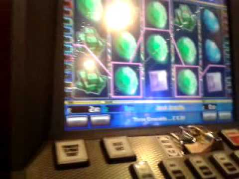 Moaning Steve on Just Jewels Fruit Machine Game