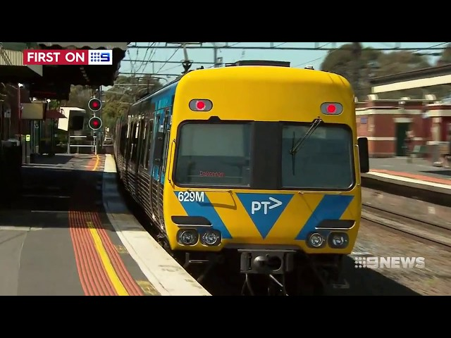 Comeng Trains Refurbished  [9News Melbourne • Oct 10 2017]