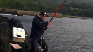 2018年1月26日 湯泊の大瀬で釣り 白井さんにクチジロのアタリがありまし...