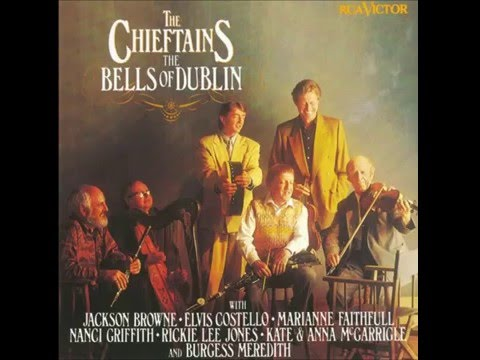 The Chieftains - Il Est Né / Ca Berger (featuring Kate and Anna McGarrigle)