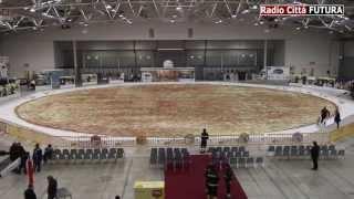 Die größte Pizza der Welt - The biggest pizza in the world