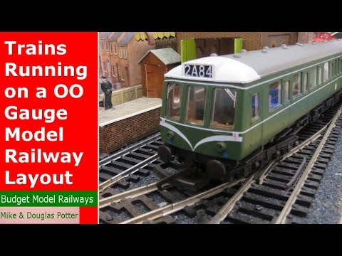 Trains Running on a OO Gauge Micro Model Railway Layout/ Railroad Layout – Shunting & Switching