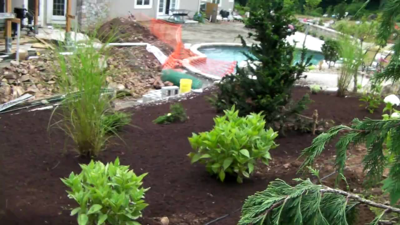 how to mulch your landscape with a mulch blower