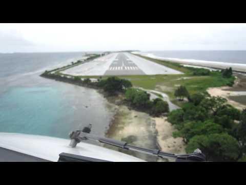 Majuro Atoll B737 landing