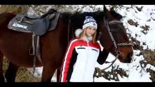Детская фотосессия с лошадью