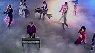 Смотреть клип Alphaville - Sounds Like A Melody
