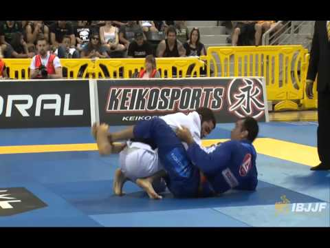 Braulio Estima v Murilo Santana - 2014 IBJJF Worlds Black Belt Medium-Heavy Semi-Final