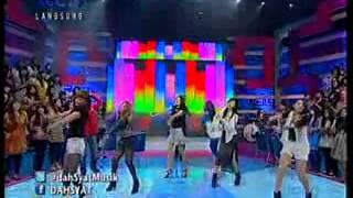 Download 7 ICONS - Tahan Cinta at Dahsyat (01-09-2013) MP3 song and Music Video