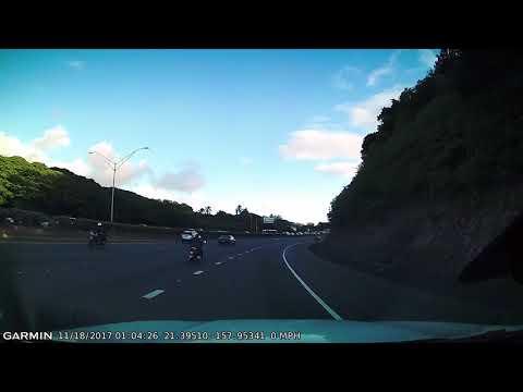 Honolulu Police solo bike pulls over speeding vehicle on 11/21/17.