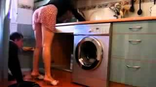Repeat youtube video ㋛Broma chica sexy seduciendo al fontanero.mp4