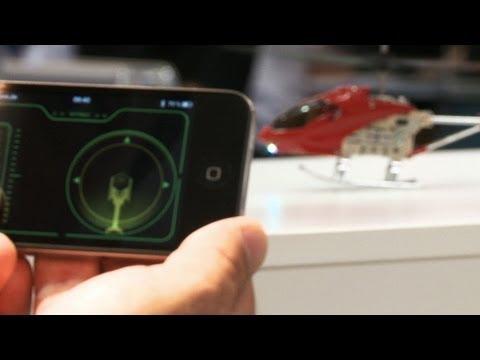 mini hubschrauber mit iphone steuerung youtube. Black Bedroom Furniture Sets. Home Design Ideas