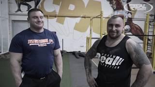 Konrad Karwat trening: kule i opona