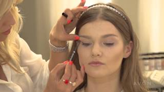 Свадебный макияж от Avon(Школа макияжа с Мариной Борщевской и Avon представляют видео мастер-класс по созданию нежного и прозрачного,..., 2013-08-27T16:00:22.000Z)