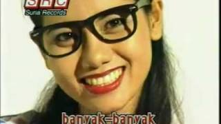 Video A Ramlie & Maria Bachok - Anak Lima (1973 song) download MP3, 3GP, MP4, WEBM, AVI, FLV Juli 2018