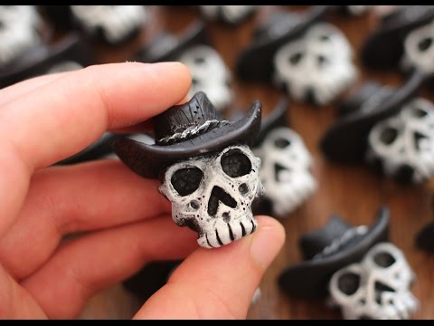 Making Texan Gothic Skull Magnets creative process timelapse