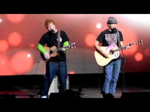 Jason Mraz and Ed Sheeran singing Empire State of Mind