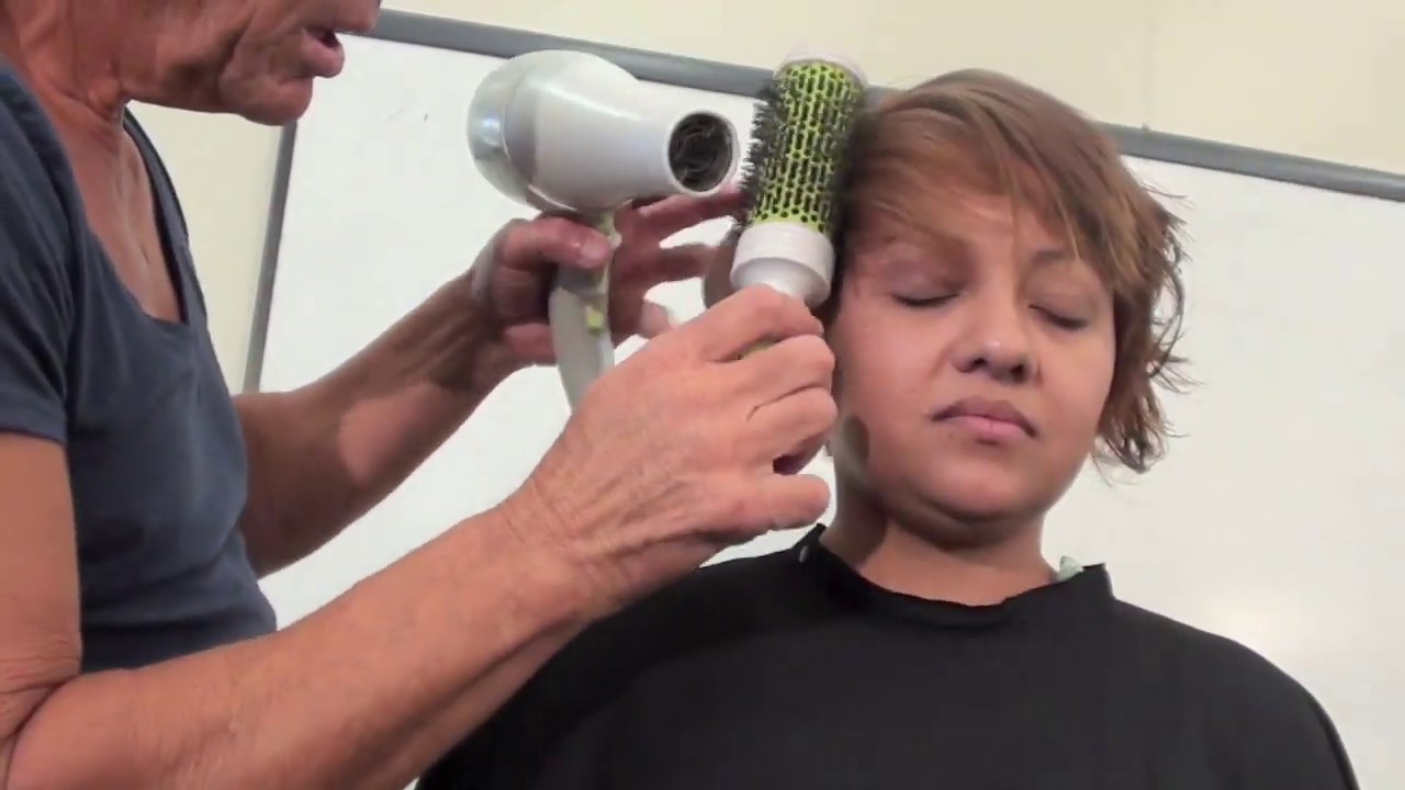 Blow Dry Styling Curly Hair For Smooth Effect Short Hair