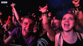 Twin Atlantic - Hold On - Live at Reading Festival 2015 HD