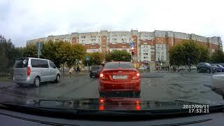 На красный: Авто темного цвета, госномер Н020УТ72