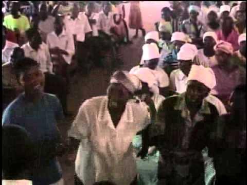 Igreja de Moçambique cantanto em Nsanje Malawi