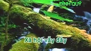 Em Bé Bán Vé Số hát với Quốc Khánh