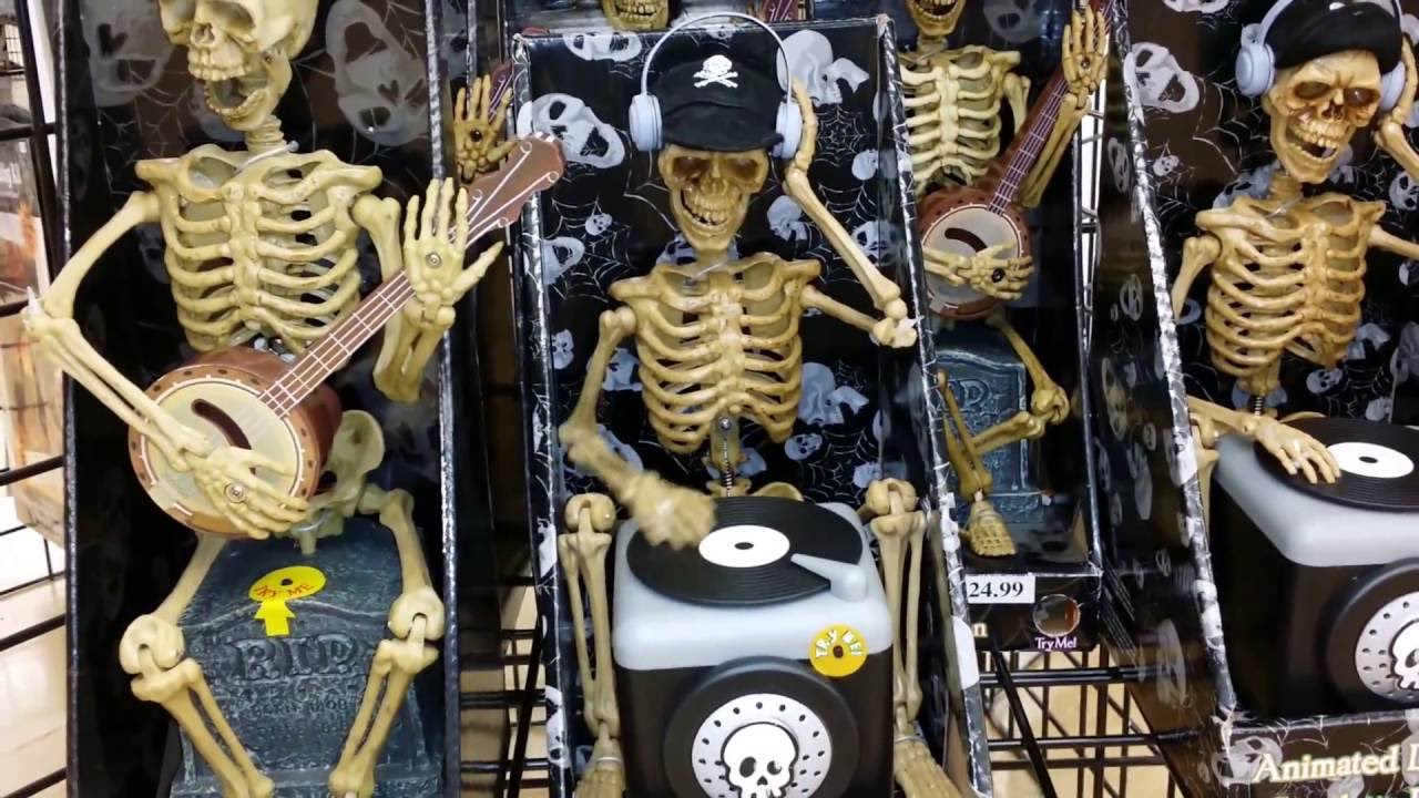 a visit to halloween city grand opening day 2016 2017 halloween props and decorations animatronics - Halloween Props 2016