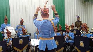 Gambar cover Kadam kadam badhaye ja - by CRPF brass band.