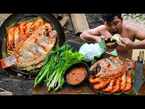 Cooking Shrimps,Fish eating with Noodle Salad & Hot Chili sauce - Cook Lobster bbq so delicious